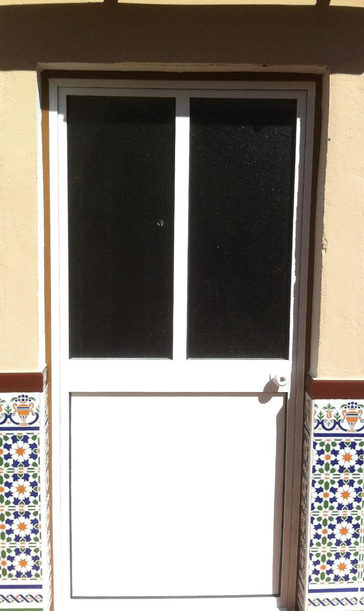 Puertas de aluminio con cristal para exterior ejemplo - Puertas de exterior de aluminio ...